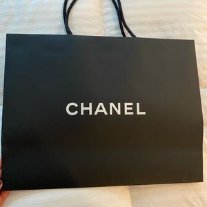 CHANEL Bags - Chanel shopping bag.